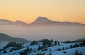 Velky Rozsutec bij zonsondergang in de winter
