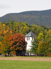 Toren van de kerk in Liptovska Sielnica, Slowakije