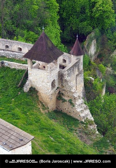 Fortyfikacji zamku Trencin, Słowacja