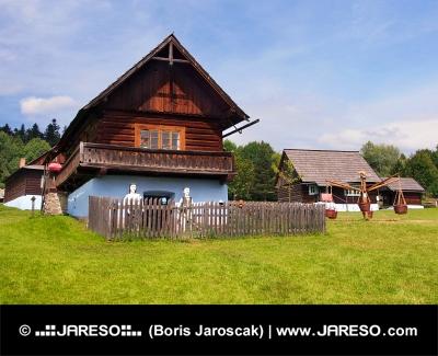 Drewniany dom w miejscowości Stara Lubovna
