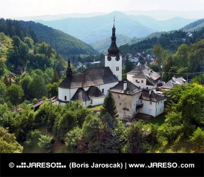 Kościół Przemienienia Pańskiego, Spania Dolina