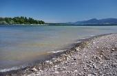 Brzeg jeziora Liptovska Mara i Niskie Tatry, Słowacja