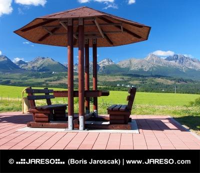 Bănci în spații protejate și High Tatras