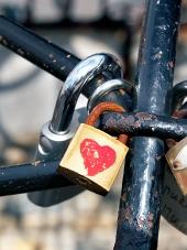 Dragoste încuietori blocate