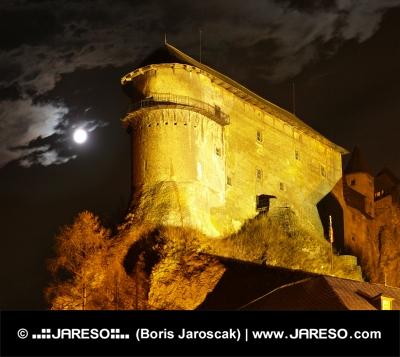 Оравский замок - Ночью
