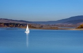 Яхта в Оравском водохранилище, Словакия