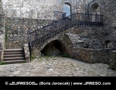 Interiör av slottet Strecno