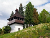 Klockstapeln i Istebne byn, Slovakien.