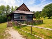 Sällsynta folkmusik hus i skansen i Stara Lubovna