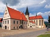 Basilika och Rådhuset, Bardejov, Slovakien