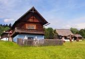 En traditionell trähus i Stara Lubovna