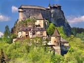 Södra sidan av berömda Orava slott, Slovakien