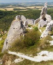 Utsikt från slottet Cachtice