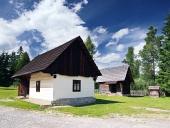 Sällsynta trä folkmusik hus i Pribylina