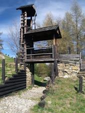 Trä befästning på Havránok