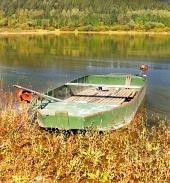 B?t fr?n Liptovska Mara sjö, Slovakien