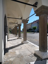 Pelare av Levoca  stadshuset arcade
