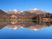 Reflektion i Strbske Pleso, Höga Tatra