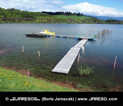 Pomol in čolni na Liptovska Mara, Slovaška