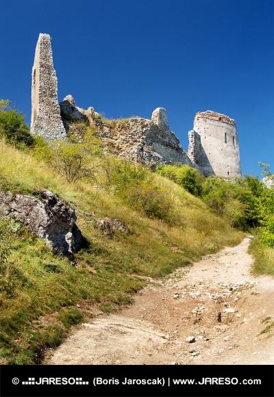Ruševine gradu stene Cachtice