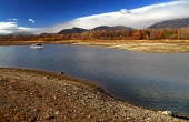 Čoln in jezero