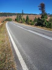 Magistralna cesta na poti do Visokih Tatrah v smeri vasi Štrba